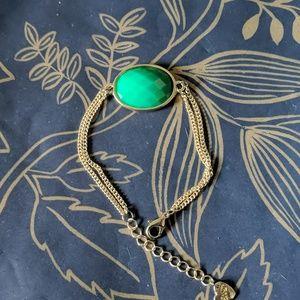 Nwot green oval bezel dainty bracelet heart